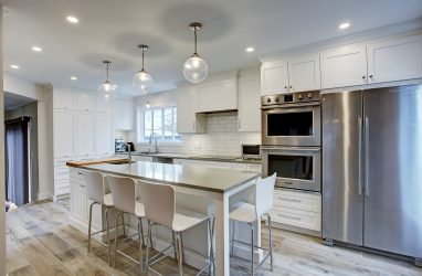 contemporary kitchen, quartz counters, island stools, wood tiles